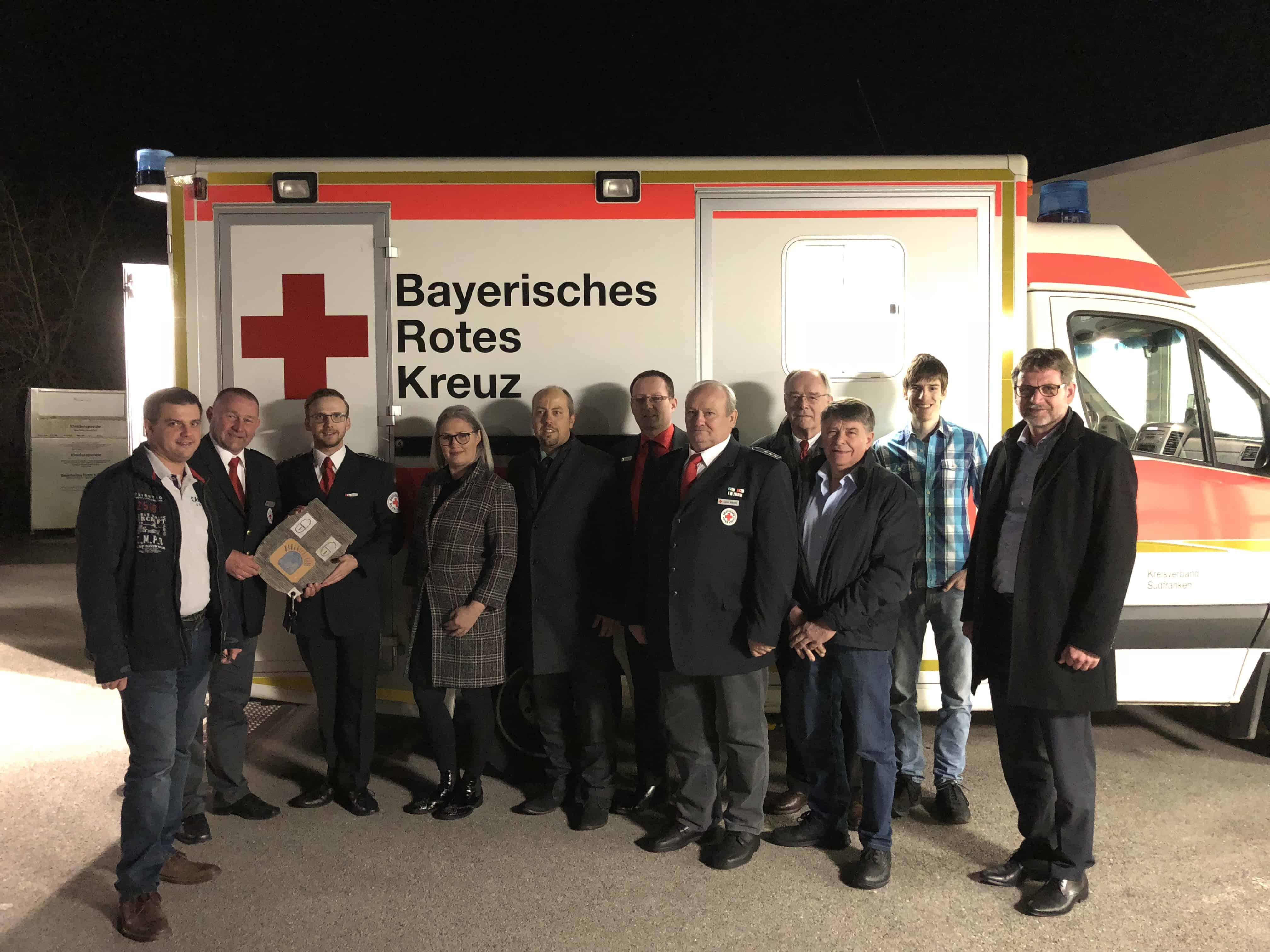 Neuer Rettungswagen mit Sponsoren
